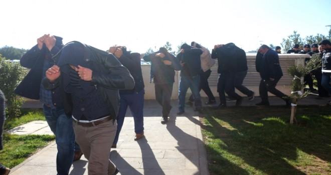 Photo of İçinde Saadet Partisi İl Meclis Üyesi Adayınında Olduğu Jokerler Adliyede