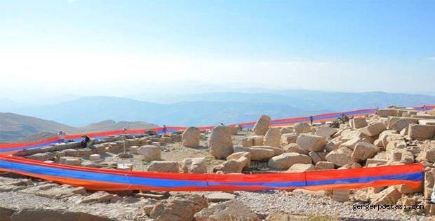 Photo of 100 Metrelik Ermeni Bayrağı, Açtılar