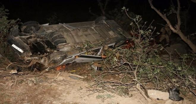 Photo of Nemrut Dağı'ndan Dönen Turist Kafilesi Kaza Yaptı: 16 Yaralı
