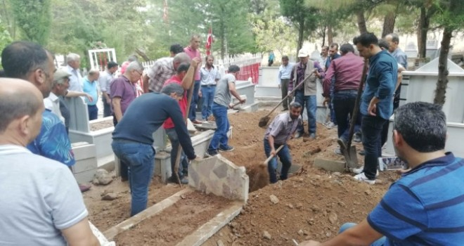 Photo of Morgda Cenazeler Karışınca Mezar Açıldı