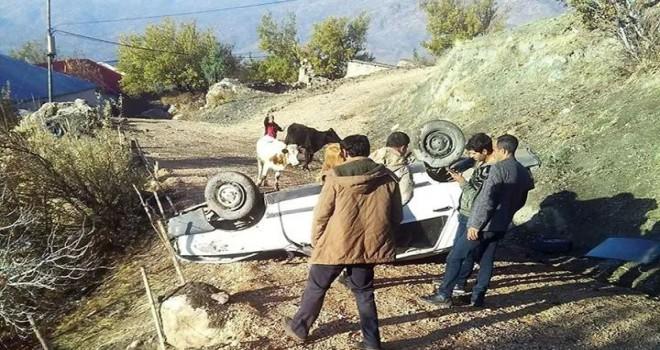 Photo of Virajı Alamayan Araç Uçuruma Yuvarlandı