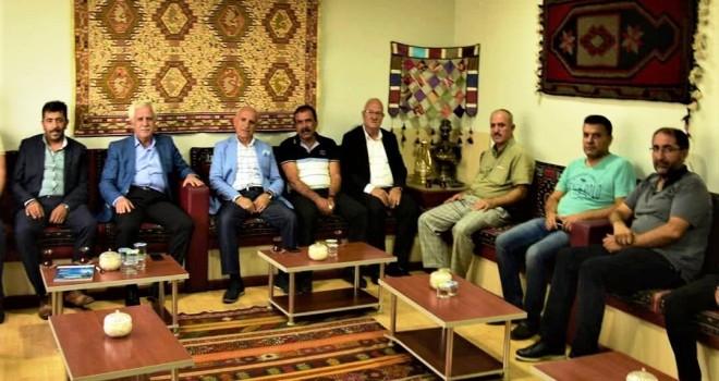 Photo of Kahta Belediye Başkanı Toprak Adıyamanlılar Vakfını Ziyaret Etti
