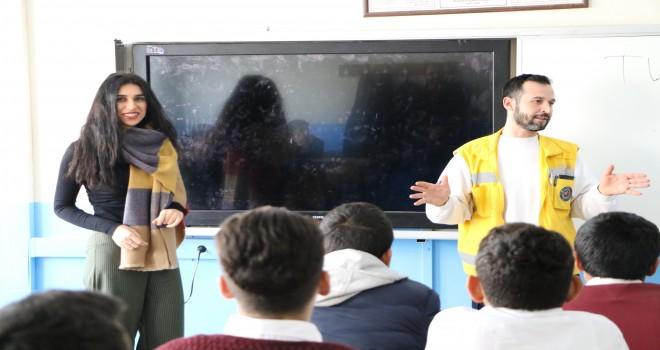 Photo of Öğrencilere Doktor ve Hemşirelik Mesleği Tanıtıldı
