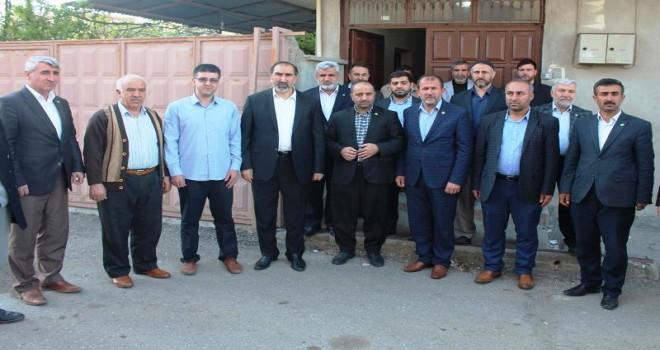 Photo of HÜDA PAR heyeti FETÖ yargısı mağdurlarını ziyaret etti