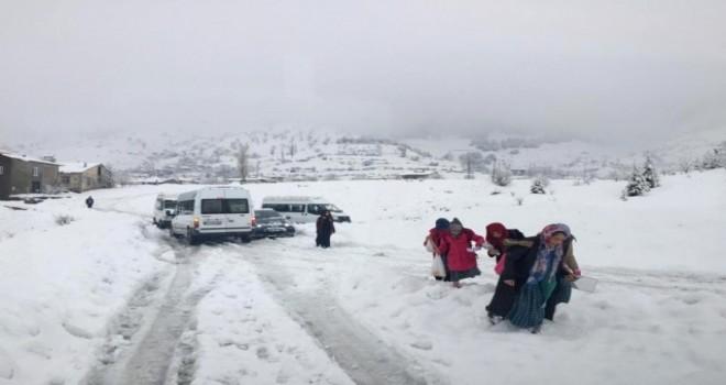 Photo of Sincik'te Kar Hayatı Olumsuz Etkiliyor