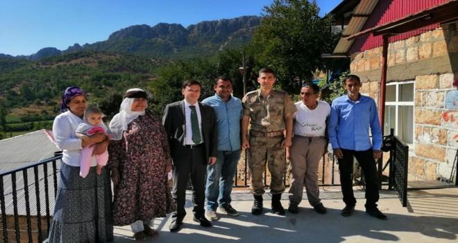 Photo of Kaymakam Köy Ziyaretlerine Devam Ediyor