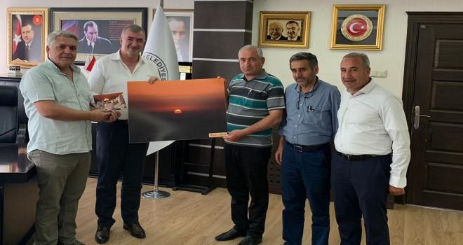 Photo of Kahta Gazeteciler Cemiyetinden Başkan Turanlı'ya Ziyaret