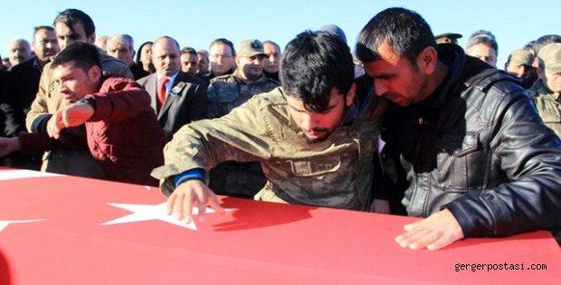 Photo of ADIYAMAN ŞEHİDİNİ SON YOLCULUĞUNA UĞURLADI