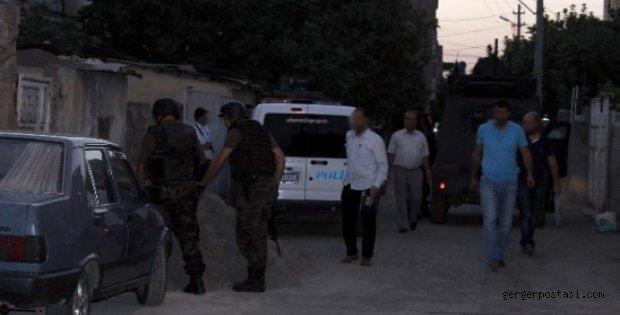 Photo of Adıyaman'da KCK Operasyonu: 13 Gözaltı
