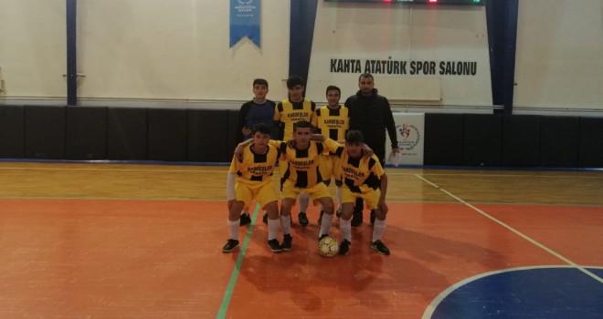 Photo of Gerger Çok Programlı Lisesi Futsal Takımı 2. Galibiyetini Aldı