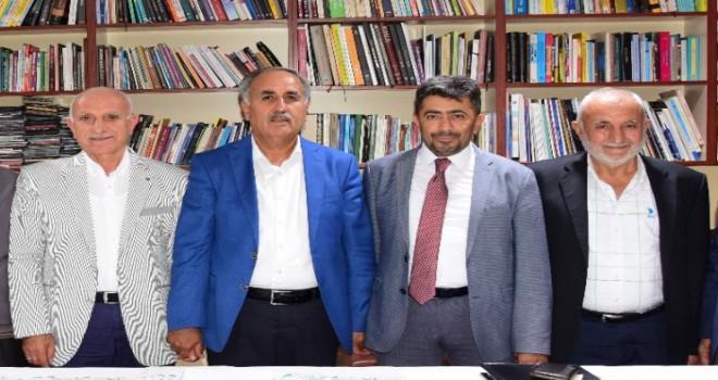 Photo of Adıyamanlılar Vakfında Başkan Değişti