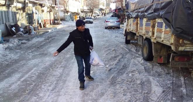 Photo of Belediyenin Kar ve Buzla Mücadelesi!