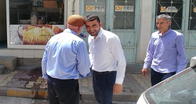 Photo of Başkan Aksoy Çarşı Esnafıyla Bayramlaştı