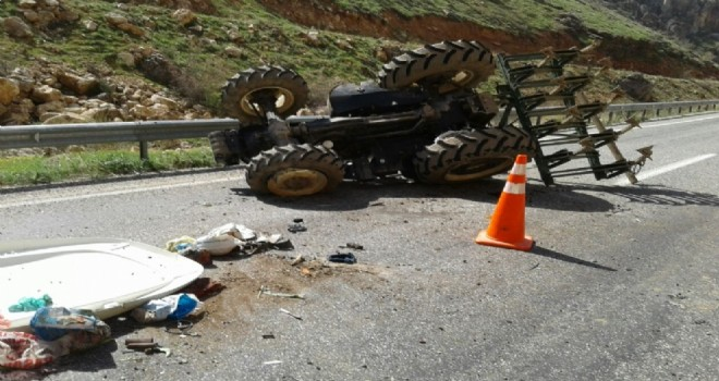 Photo of Kan Boğazında Traktör Devrildi