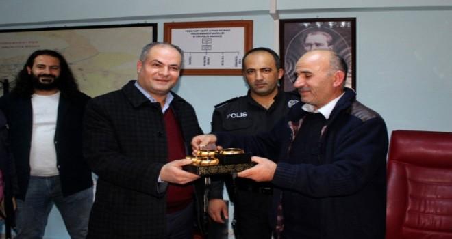 Photo of Temizlik İşçisi Bulduğu Altınları Sahibine Verdi.