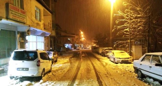 Photo of Çelikhan'da Eğitime Kar Engeli