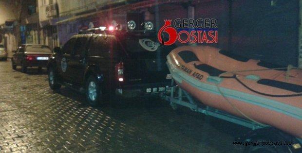 Photo of Gerger de araç suya yuvarlandı: 1 Ölü
