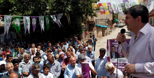Photo of Gerger HDP Mitinginde Altan Atan  Seçmene Hitap Etti