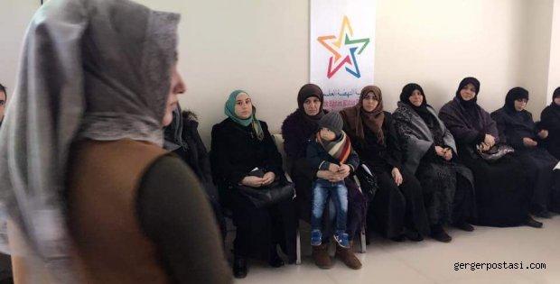 Photo of Gerger'de Suriyeli Kadınlara Uyum Eğitimi Verildi