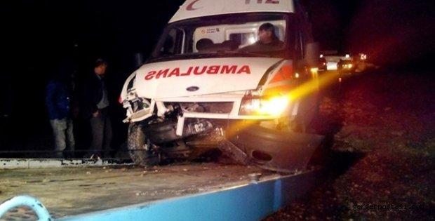 Photo of Kahta'da Ambulans Kaza Yaptı: 3 Yaralı