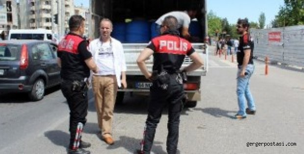 Photo of Kamyonetteki Varil Polisi Harekete Geçirdi