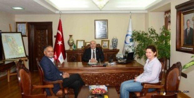 Photo of Prof. Dhuga'dan Rektör Prof. Dr. Gönüllü'ye Ziyaret