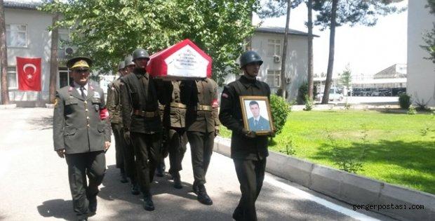 Photo of Şehit Askerin Cenaze Töreni Düzenlendi